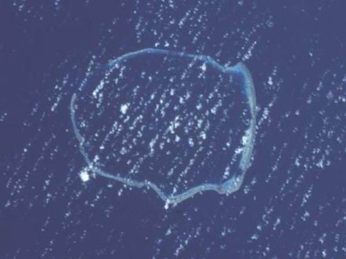 Enewetak Atoll, Marshall Islands.  North is at approximately 6:00.
